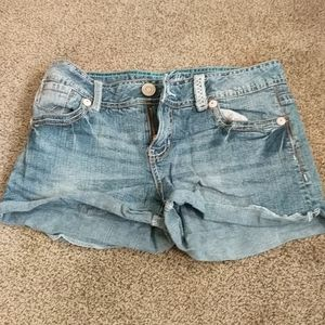 Size 7 Amethyst Jeans Short Shorts